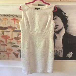 EUC Alex Marie White & Silver Shift Dress | 10